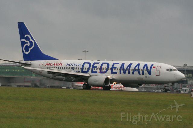 Boeing 737-700 (TC-APH)