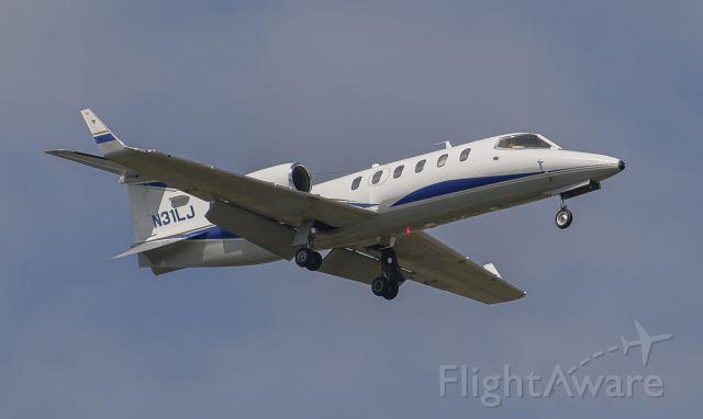 Learjet 31 (N31LJ) - Runway 02L arrival @KDPA.