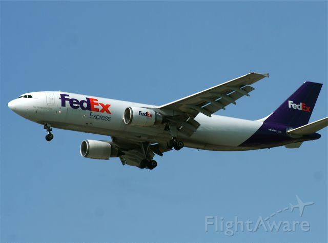 Airbus A300F4-600 (N654FE)