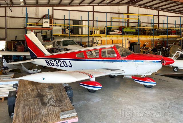 Piper Cherokee (N6320J)