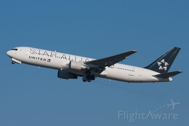 BOEING 767-300 (N653UA)