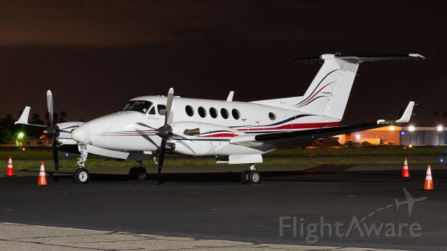 Beechcraft Super King Air 300 (N528AM)