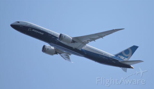 Boeing 787-9 Dreamliner (N789EX)
