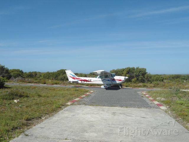 Cessna Skyhawk (ZS-SCE) - FAAF or Andrew