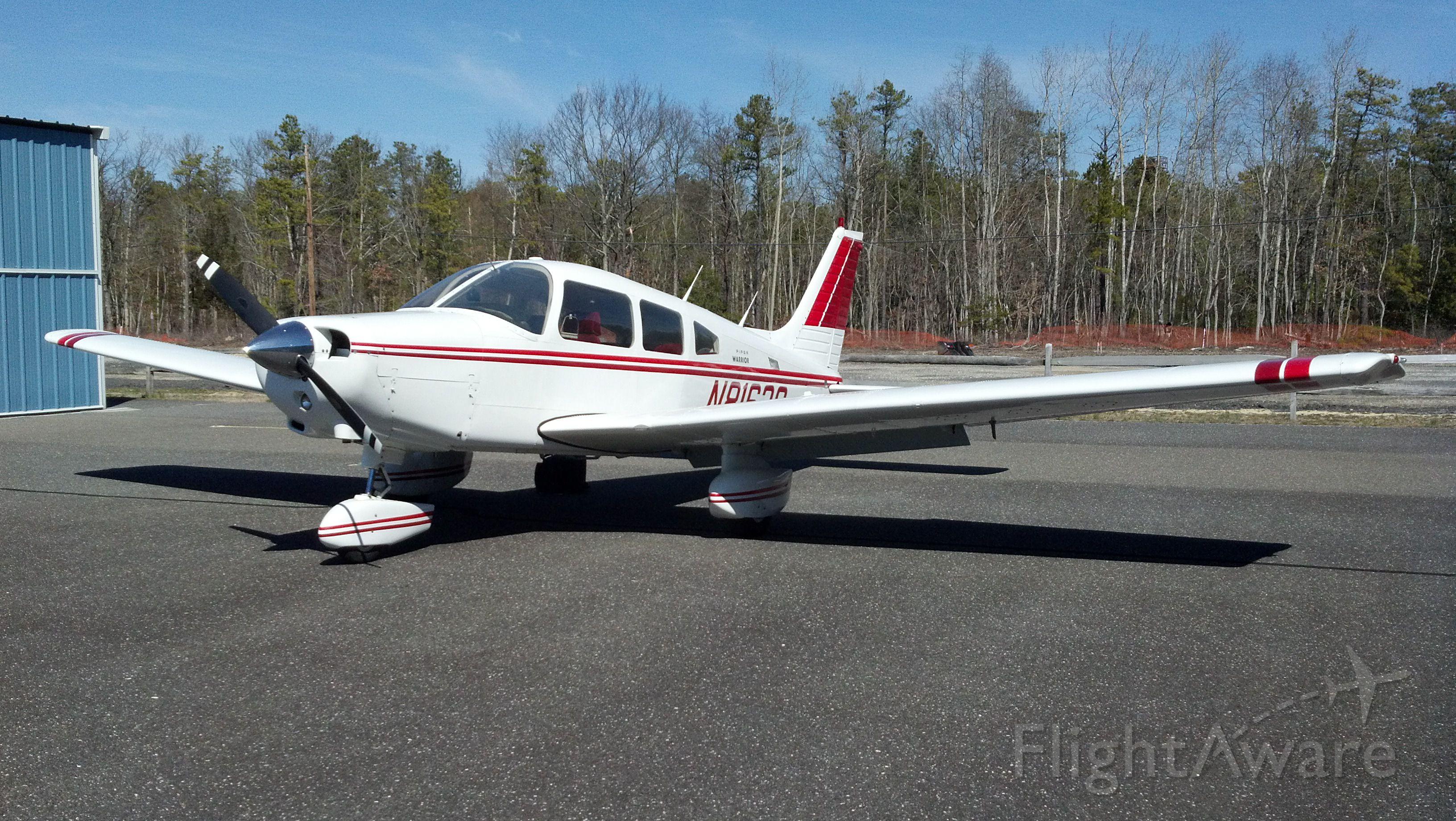Piper Cherokee (N8163S)