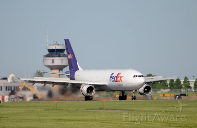 """Airbus A300F4-600 (N720FD) - """"Kristin Marie"""" just arrived from Buffalo on rwy 07R"""