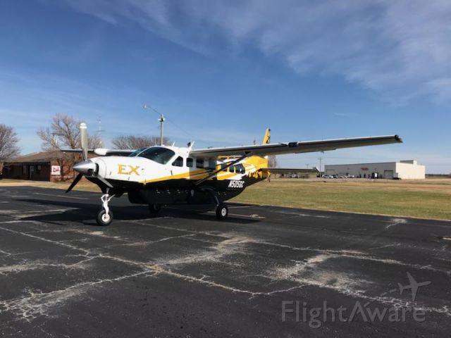 Cessna Caravan (N505GC) - Caravan on ramp at KEGT.