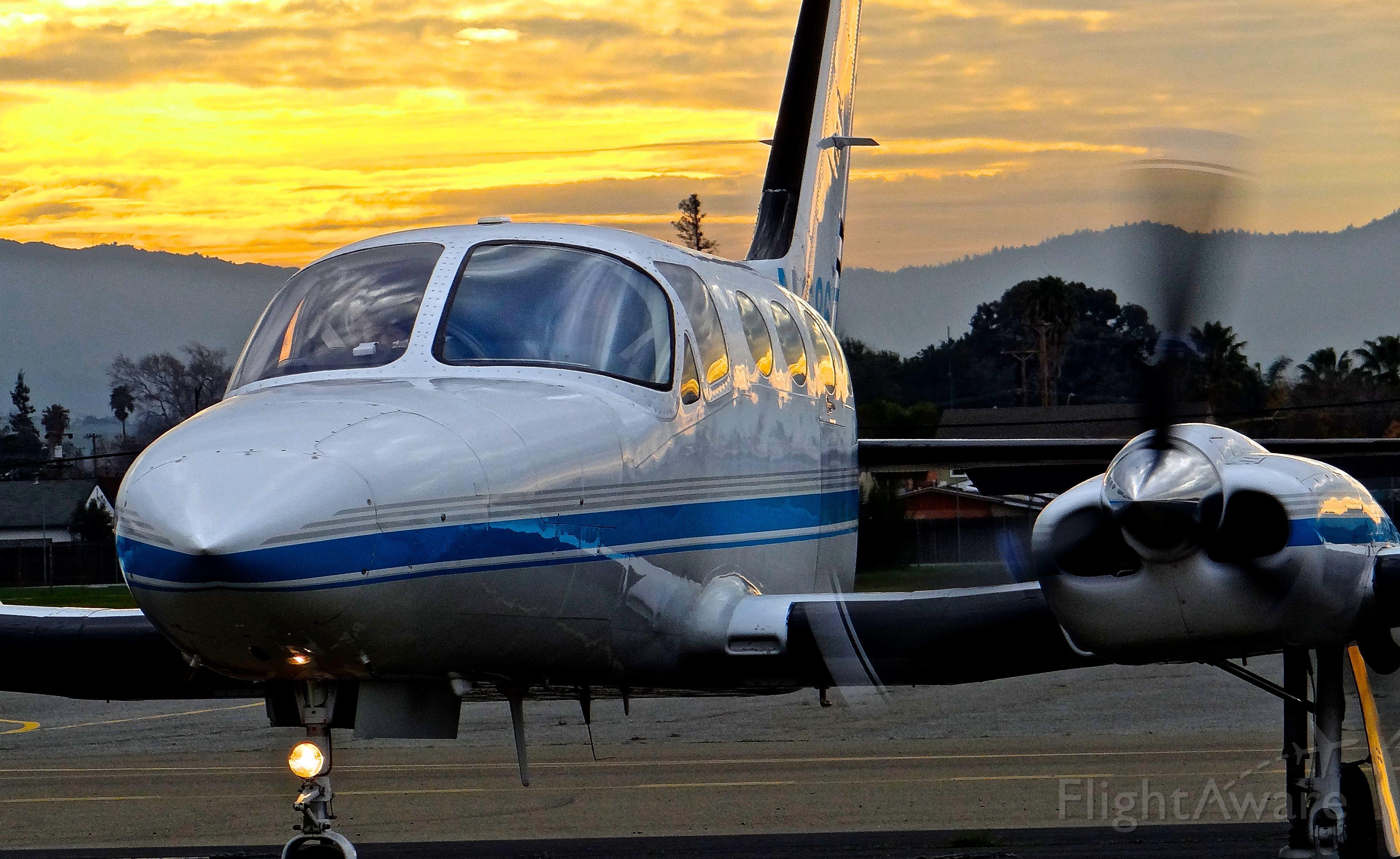 Cessna 421 (N6867L)