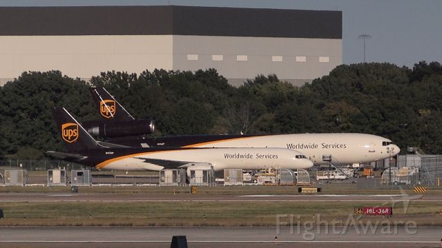 Boeing 757-200 (N473UP) - also pictured: N296UP (MD11)