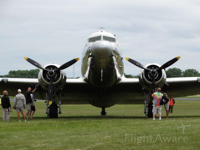 "Cessna Skyhawk (N47E) -  Douglas C-47 Skytrain ""Miss Virginia"""