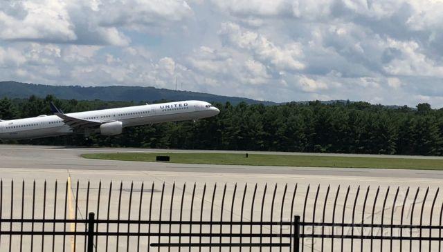 Boeing 757-200 (N57868)