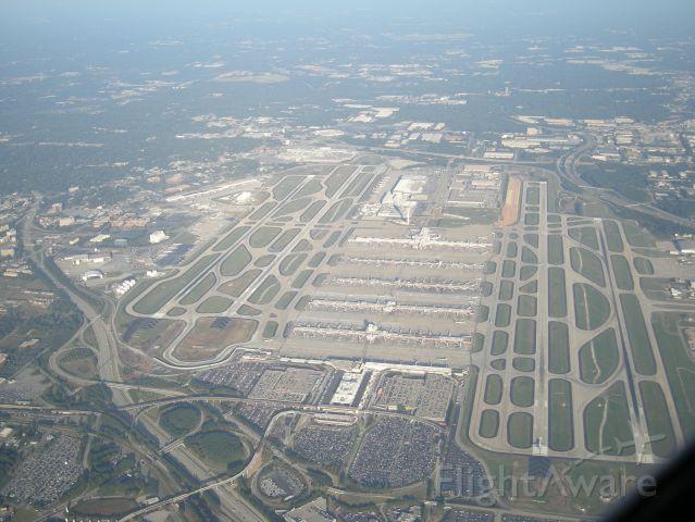 — — - Fly over Atlanta Airport