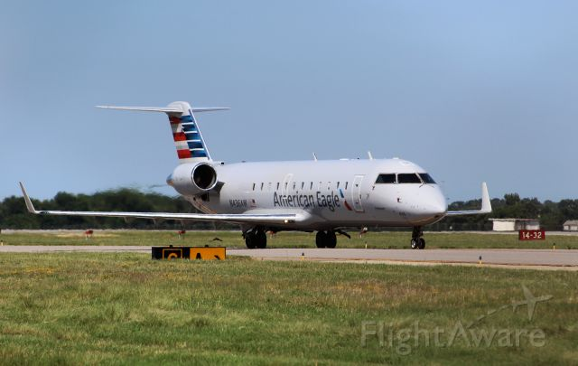 Canadair Regional Jet CRJ-200 (N436AW) - Air Wisconsin CRJ-200 taxiing out to RW05 at Norfolk about to launch for Philadelphia as AWI3949.