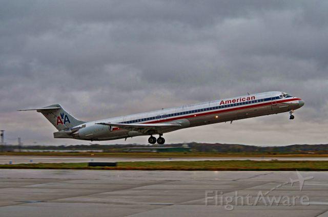 McDonnell Douglas MD-80 (N488AA)