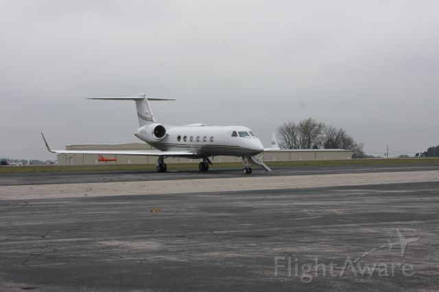 Gulfstream Aerospace Gulfstream IV (N507SA) - Waiting on passengers