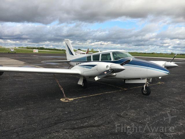 Piper PA-30 Twin Comanche (N301EM)