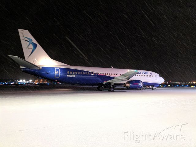 Boeing 737-700 — - Boeing 737-400