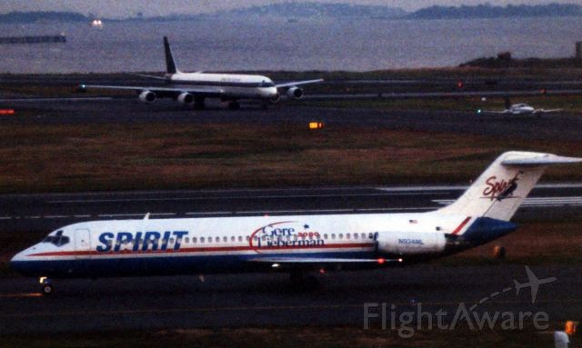 McDonnell Douglas DC-9-30 (N934ML) - Spirit DC9 wearing special Gore/Lieberman 2000 markings arriving to Logan on 10/03/2000 as part of the presidential debate between then VP Al Gore and Presidential hopeful George W. Bush.
