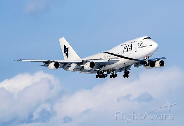 BOEING 747-300 (AP-BFV) - 2005