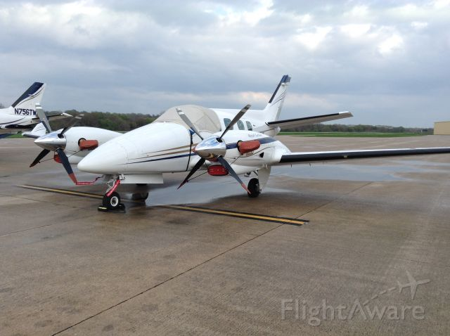 Beechcraft Duke (N22JY)