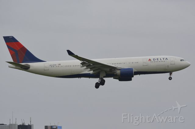 Airbus A330-200 (N853NW)
