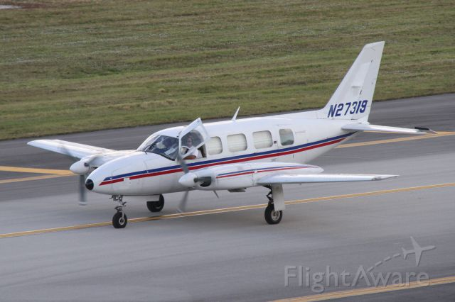 Piper PA-30 Twin Comanche (N27319)