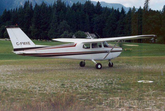 Cessna Skyhawk (C-FMXE)