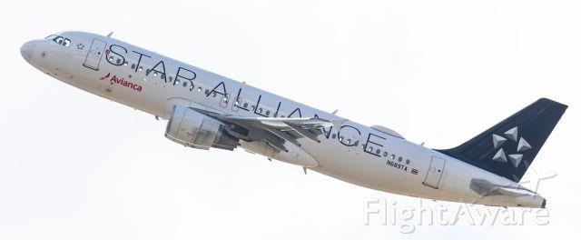 Airbus A320 (N689TA)