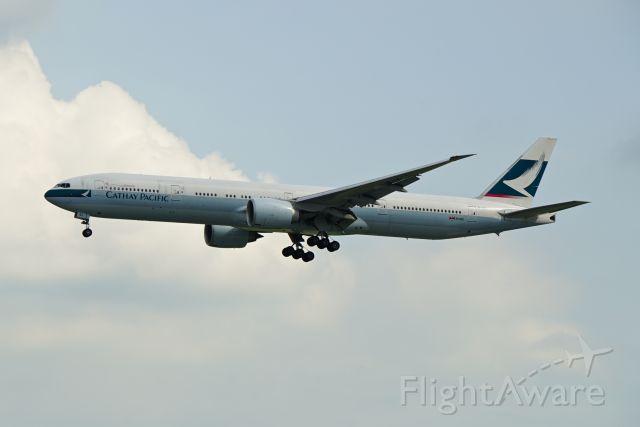 Boeing 777-200 (B-KQL)