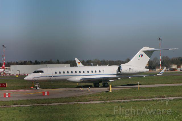 Bombardier Global Express (I-PFLY) - ALBINATI  AVIATION