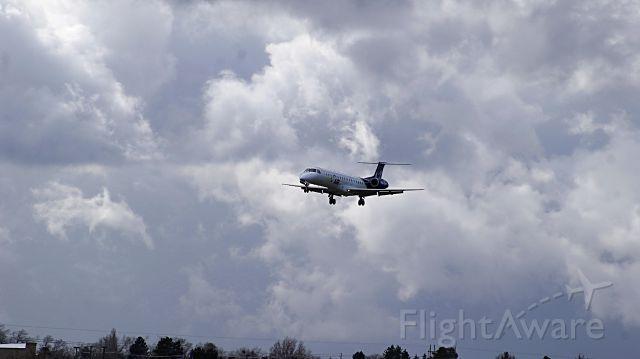 Embraer ERJ-145 (N824HK)