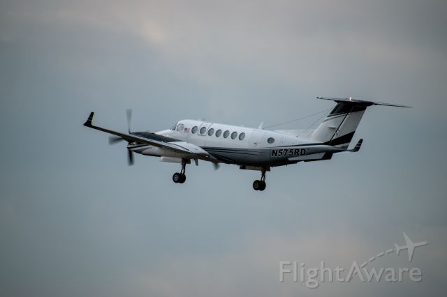 Beechcraft Super King Air 350 (N575RD)