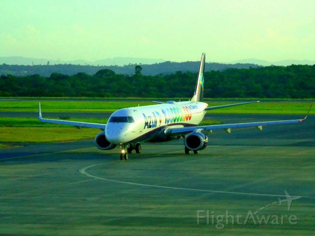 Embraer ERJ-190 (PR-AXS)