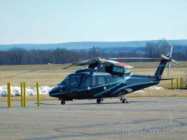 Sikorsky S-76 (N13HF)