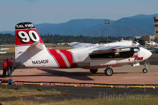 MARSH Turbo Tracker (N434DF) - Reloading with retardant for the Badger Fire burning near Yreka, CA