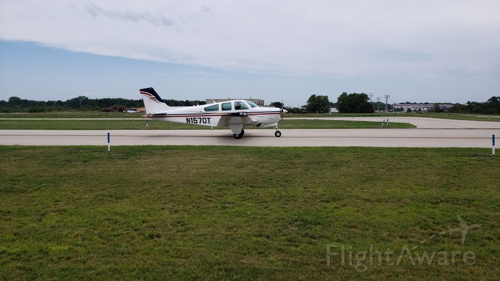 Beechcraft Bonanza (33) (N1570T)