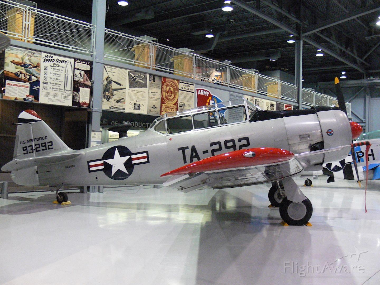 — — - North American AT-6Gbr /EAA Aviation Museumbr /Oshkosh, WI, USAbr /Photo: 01.10.2006