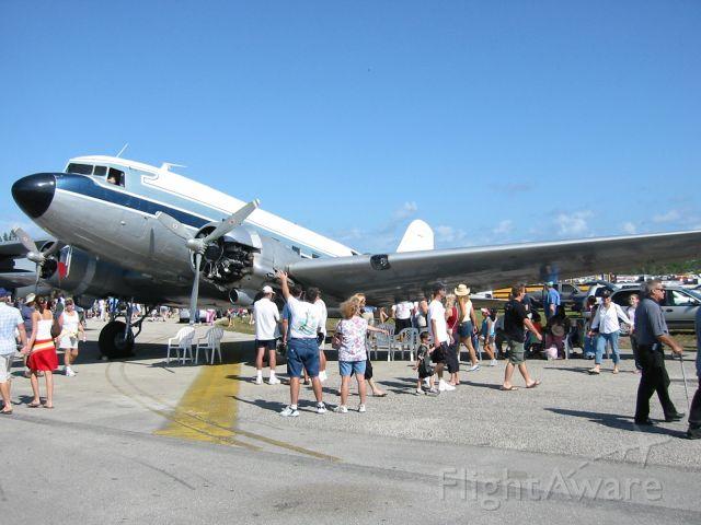 Douglas DC-3 (N300MF) - www.missionaryflights.org