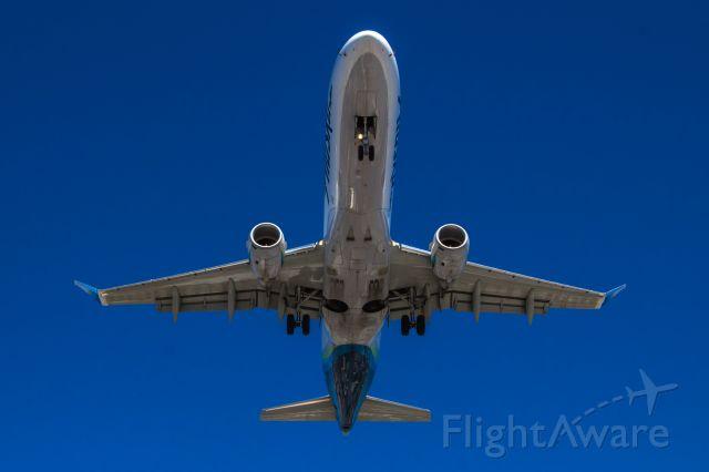 — — - Landing at San Diego International Airport