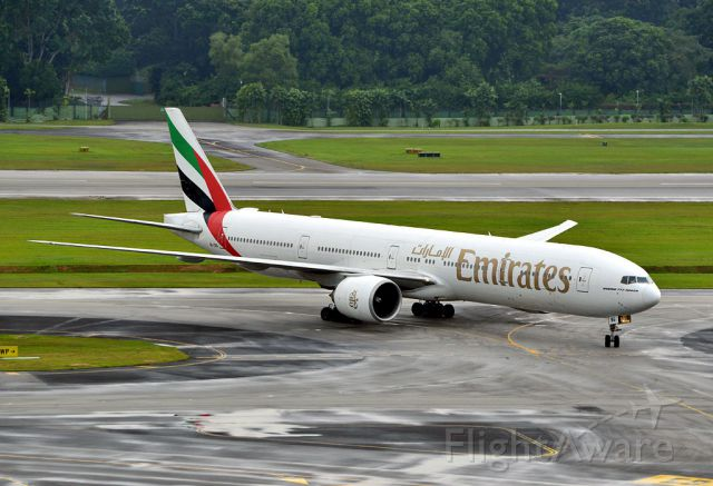 BOEING 777-300 (A6-EBG)