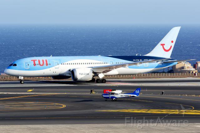 Boeing 787-8 (PH-TFM) - TENERIFE SUR AIRPORT