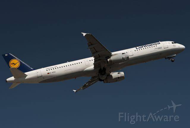 Airbus A321 (D-AISU) - 2013:05:11     14:22:31