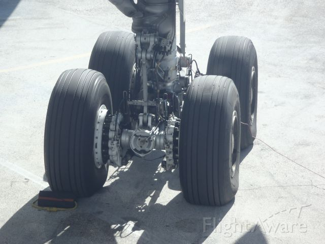 — — - Airbus A330