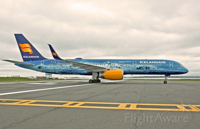 Boeing 757-200 (TF-FIR) - ICE for some ?