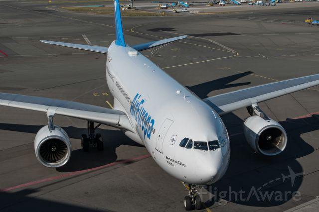 Airbus A330-200 (EC-LQO)