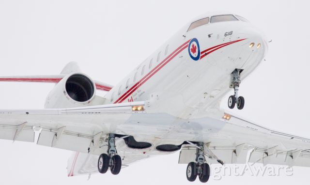 Canadair Challenger (14-4618) - It was a sad day at CFB Trenton. This aircraft landed minutes before the C-17 carrying Sgt. Andrew Doiron arrived home to Trenton.