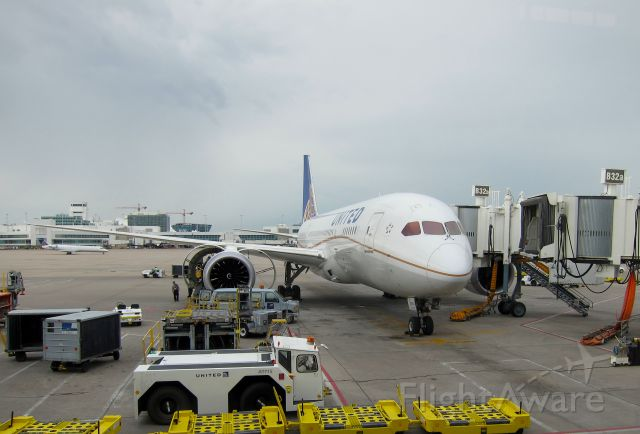Boeing 787-8 (N20904) - UAL95 being delayed about 3 hours due to mechanical issues following a RJAA-KDEN Aug 14, 2014