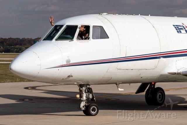 Dassault Falcon 20 (N541FL) - Happy pilots!