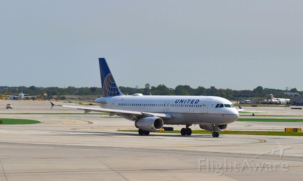 Boeing 737-800 (N73276) - United Airlines Boeing 737-824(WL) N73276 in Chicago