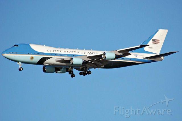 Boeing 747-400 (N29000) - Air Force One landing at SFO